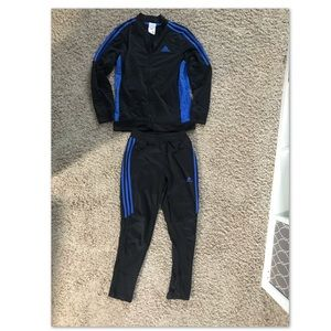 Boys adida's outfit. Size 10/12